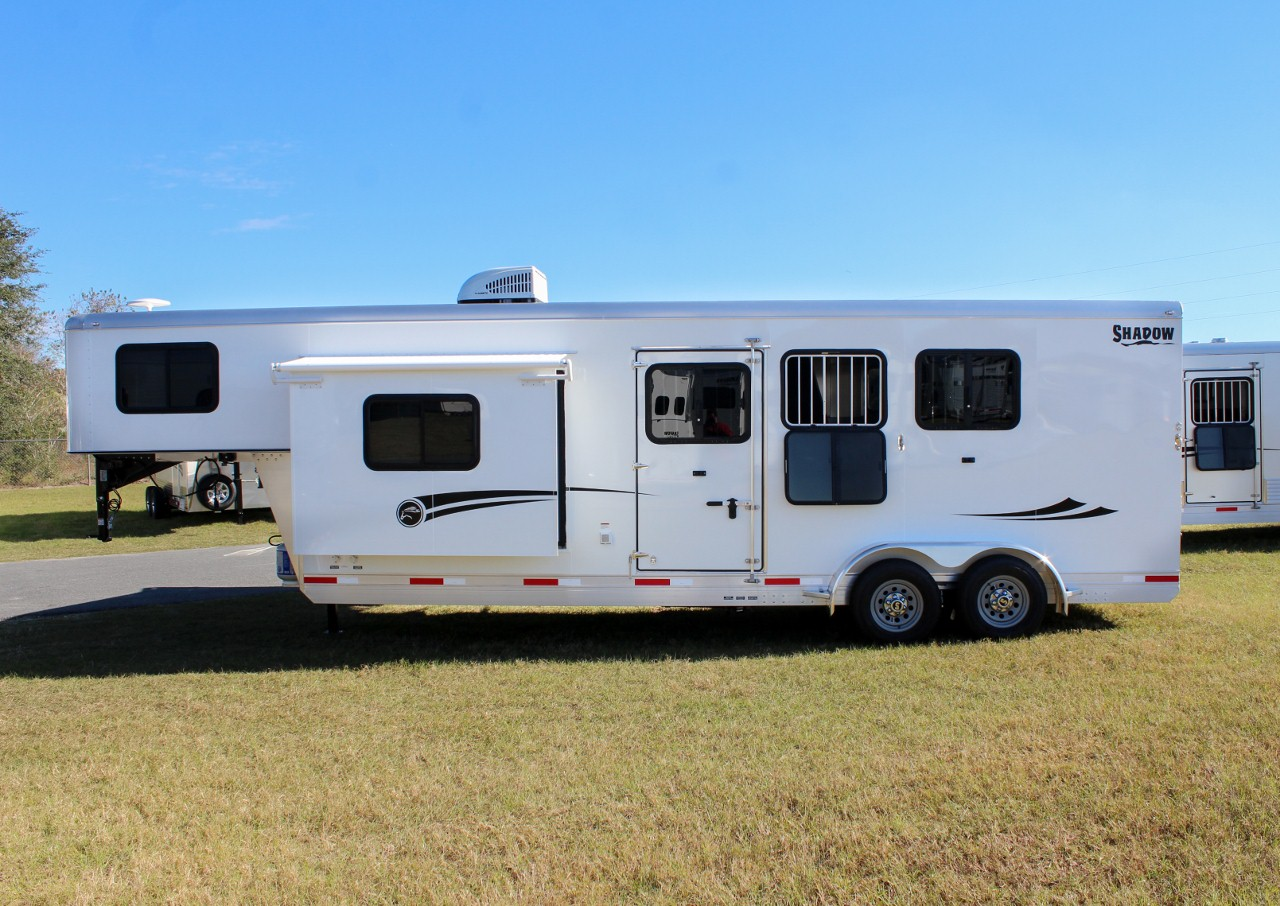 2018 Shadow 3 Horse Slant 9 Living Quarters With Slide
