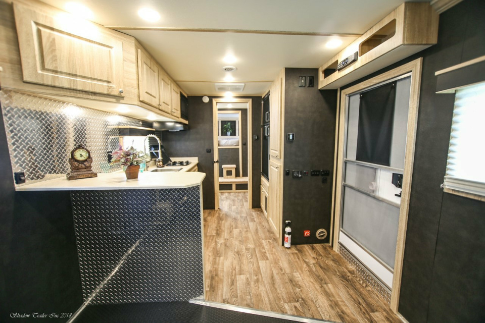 2019 Stw Enclosed Toy Hauler With 14 Luxury Lq 85300 90