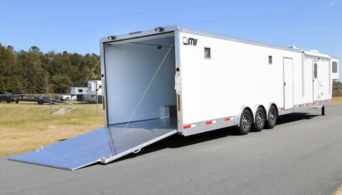 New Stw Enclosed Cargo Trailer With 14 Living Quarters And 26 Garage